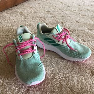 adidas Shoes - Adidas alpha bounce turquoise running shoes